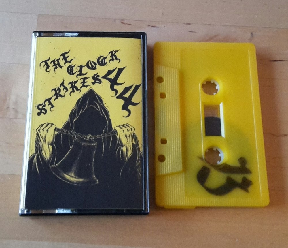V/A - The clock strikes 44 Tape (Dresden Tapesampler Compiled by Subculture Crew 44 )