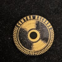 "Contra Records - ""Vinyl since 2004"" - Single 45rpm Adapter black/gold"