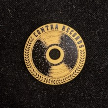 "Contra Records - ""Vinyl since 2004"" - Single 45rpm Adapter gold/black"